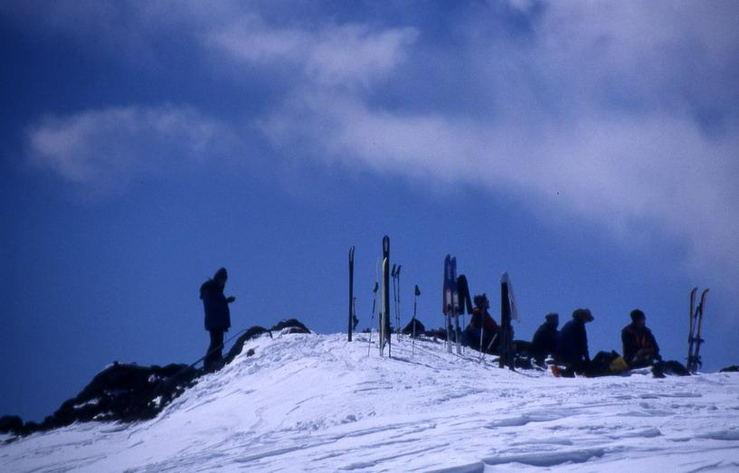 večina alpinistov s smučmi